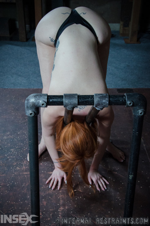 Cruel master perfrom cruel and painful tests on submissive girl